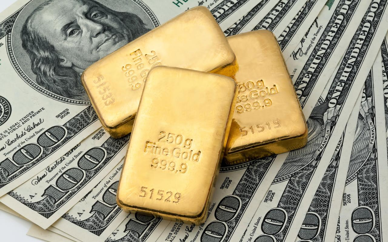 Gold & Basel 3: A Revolution That Once Again No One Noticed Money_Dollars_Gold_100_Ingots_520664_3840x2400