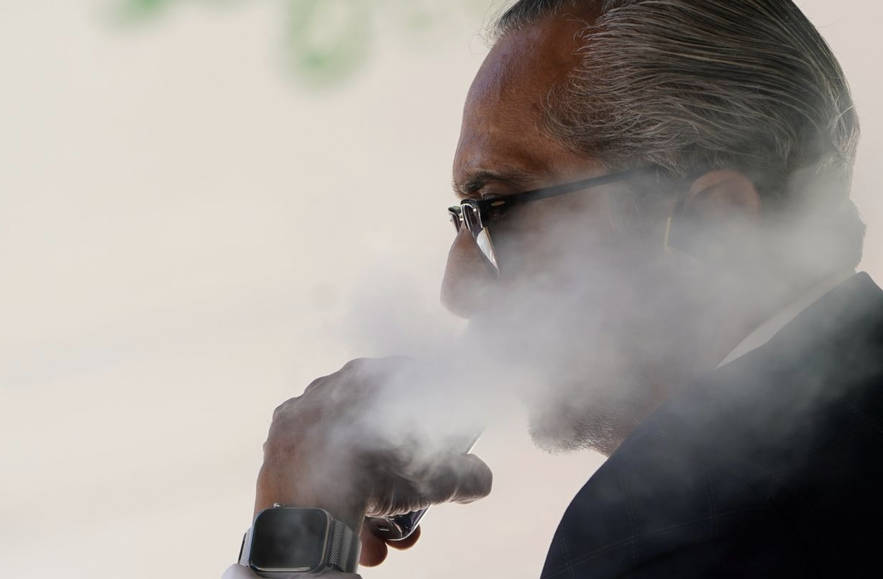 Congress Blames 'Russian Bot Armies' For Spread Of Vaping 'Health Crisis'