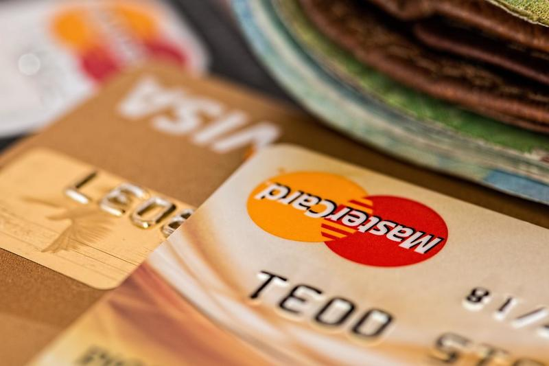 Americans Aren't Paying Their Credit Card Debt. What Could Go Wrong?