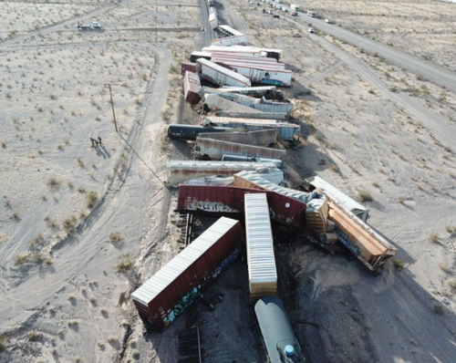 Stunning Views Of Freight Train Derailment In California Desert 4
