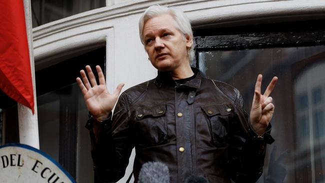 "Why Isn't Assange Being Charged With ""Collusion With Russia""?"